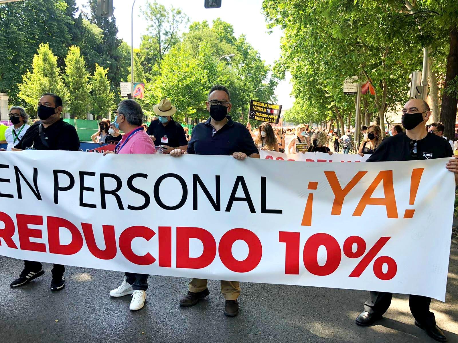 Cabecera manifestación nacional bajada del IVA